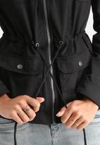Noisy May - Hollow Jacket