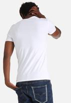 GUESS - Core Collection Tee
