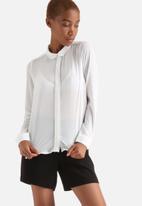 Vero Moda - Maddy Shirt