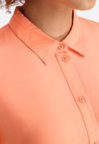 Jacqueline de Yong - Arc Button Shirt