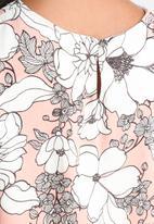 Influence. - Floral Split Side Top
