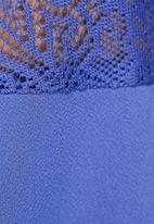 Vero Moda - Lilyann Lace Top