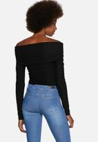 Pieces - Lilly Off Shoulder Top