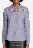 Vero Moda - Lisa Shirt