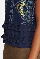 Vero Moda - Dolly Lin Tassle Top