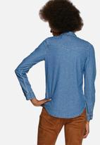 Glamorous - Fitted Denim Shirt