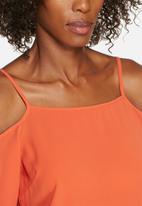 Glamorous - Cold shoulder top