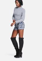 Vero Moda - Carla High Neck Top