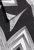 Vero Moda - Liv ZigZag Shirt