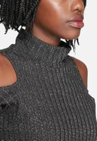 Vero Moda - Loura Cold Shoulder Top