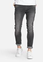 ADPT. - Skinny Jeans AKM 1018