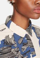 VILA - Graphical Shirt