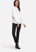 ONLY - Clotilda Bell Sleeve Blouse