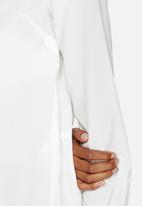 Vero Moda - Eve Placket Mini Top