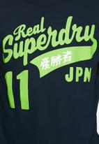 Superdry. - Fat Swoosh Reworked Classic Tee