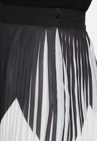 Y.A.S - Zaggy pleated skirt