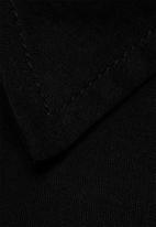 Noisy May - Hannah Long Shirt