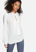 dailyfriday - Anna pussy bow blouse