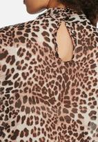 dailyfriday - Sienna keyhole blouse