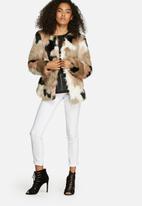 Vero Moda - Clea short faux fur jacket