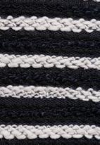 Native Youth - Stripe crop