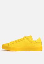 outlet store 23f46 fbf99 adidas Originals - Court Vantage ADICOLOR