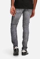 Jack & Jones - Glenn slim Jax jeans