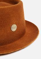 Simon and Mary - Pork pie hat