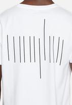 basicthread - Graphic tee