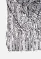 Vero Moda - Arrow scarf