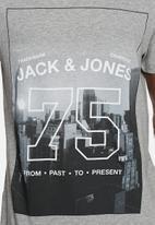 Jack & Jones - Snap Tee
