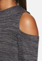 dailyfriday - Cold shoulder top