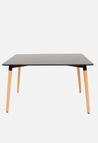 Eleven Past - Dining table
