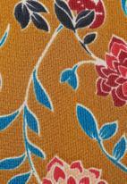 Glamorous - Floral keyhole blouse