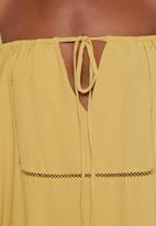 Glamorous - Mustard cold shoulder dress