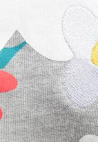 adidas Originals - Pharrell Williams daisy sweat