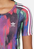adidas Originals - Camouflage crop tee