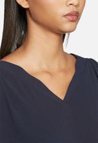 ONLY - Smart Bat V-neck top