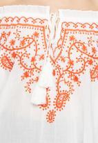 Vero Moda - Monaco embroidered off the shoulder top