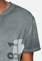 GUESS - Extended tee