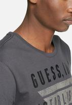 GUESS - Inverted tee