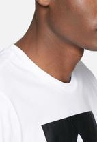 adidas Originals - Solid blackbird tee