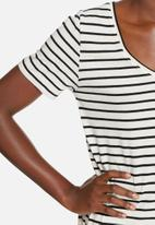 ONLY - Isabella slit tee