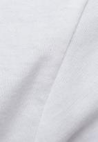 GUESS - Cascading logo tee
