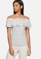 Vero Moda - Nohi frill off shoulder top