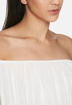 VILA - Bika off shoulder top