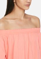 VILA - Tila off shoulder top