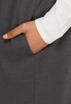 dailyfriday - Sleeveless jacket