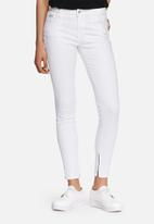 GUESS - Marilyn 3-zip jeans
