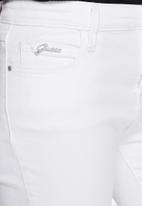 GUESS - Marilyn 3-zip jeans